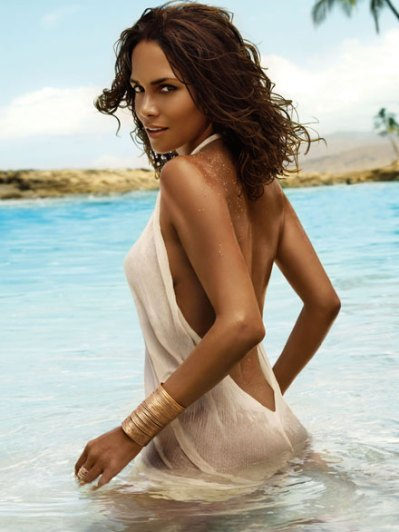 halle-berry-halle-perfume-ad-campaign1