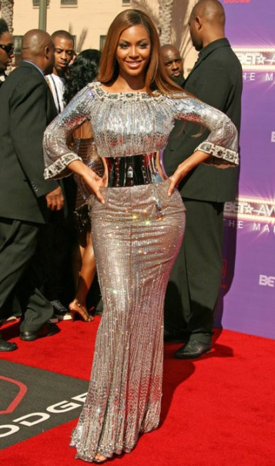 beyonce-knowles-metal-dress