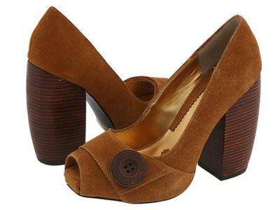 chunky_heeled_pumps