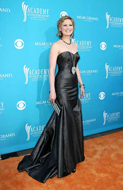 jennifer nettles 2010 acm awards fashion