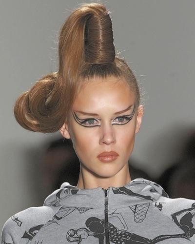 Jeremy Scott Winter 2010-2011 makeup trends