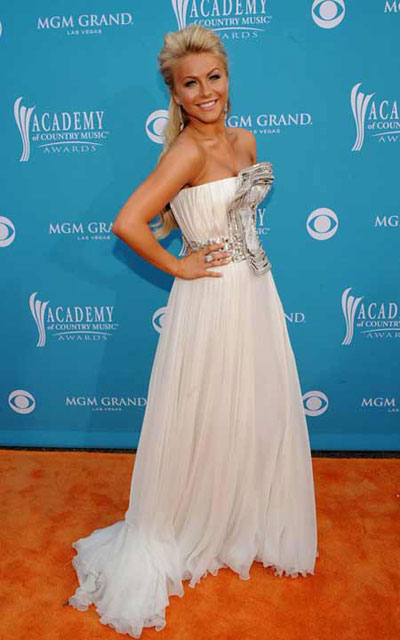 Julianne Hough 2010 ACM Awards