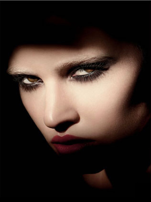 Lara Stone is the new 'face' of Giorgio Armani Cosmetics