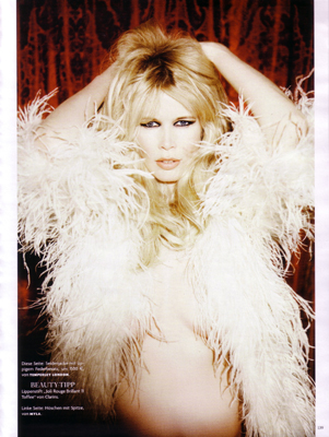 Claudia Schiffer pregnant Vogue Germany June 2010