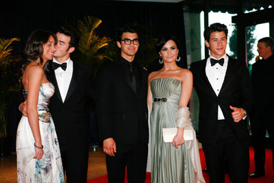 The Jonas Brothers, Danielle Deleasa, Demi Lovato at White House  Correspondents Dinner‎ 2010